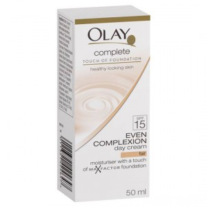 Olay Complete Touch Of Foundation Day Cream Fair