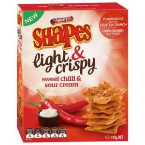 Shapes Light & Crispy Snacks Sweet Chilli Sour Cream