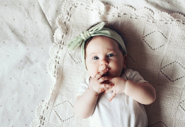 Mums Tragic Warning to Parents About Headbands on Babies