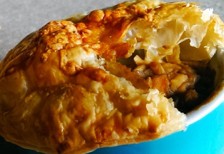 Mushroom and lentil pot pie