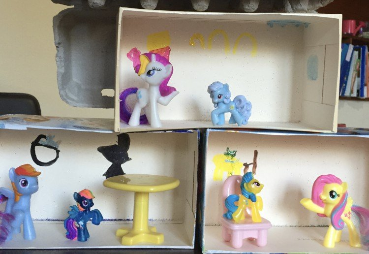 Tissue box pony house