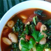 White Bean, Kale & Garlic Soup