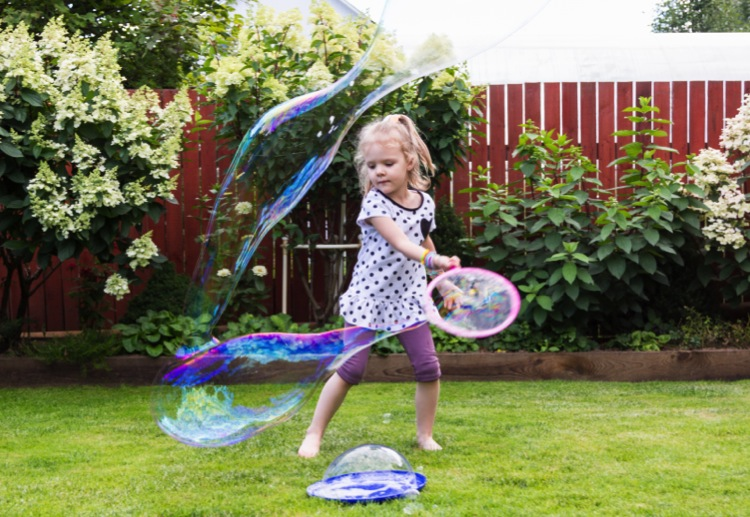 june11 reviewed How to make giant bubbles