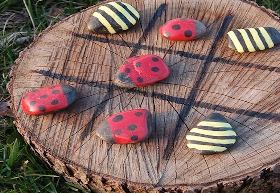How to make your own outdoor Tic-Tac-Toe game