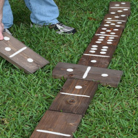 How to make giant lawn dominoes