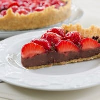 Video: No bake Oreo strawberry tart