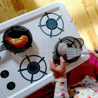 How to make an easy play kitchen for the kids
