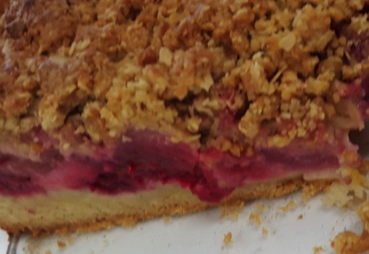 happymum2018 reviewed Apple and Berry Crumble Cake