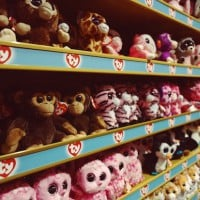 Why UK Toys R Us stores are dimming the lights this weekend