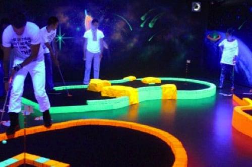 visit-dubai-feature_crazy-golf