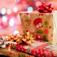 Video: Christmas present wrapping tips