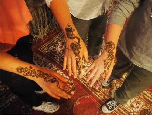 arabian-adventures-dubai_10_henna-tattoos