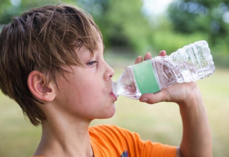 School Bans Kids Drinking Water in Class