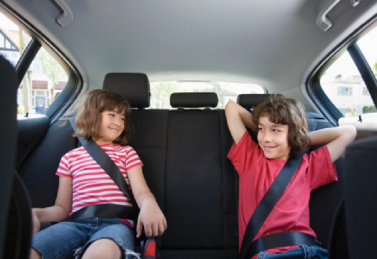 Mum Accused of 'Helicopter Parenting' for Not Letting Child in the Car With Another Parent
