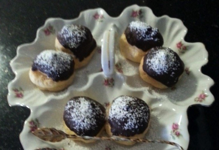 Profiteroles with Creme Patissiere
