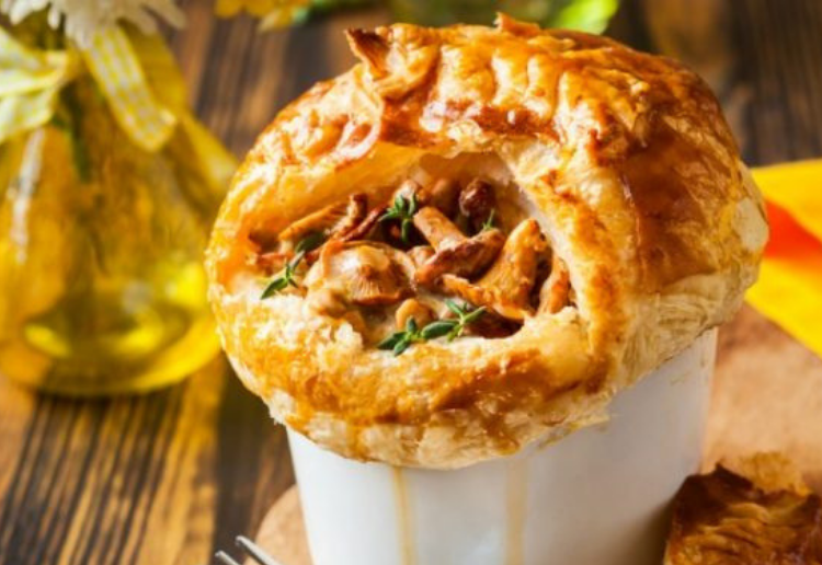 Chicken Mushroom and Bacon Pie