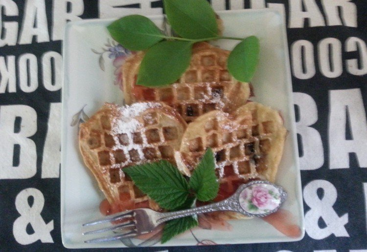 Berry-delicious Low-allergy waffles