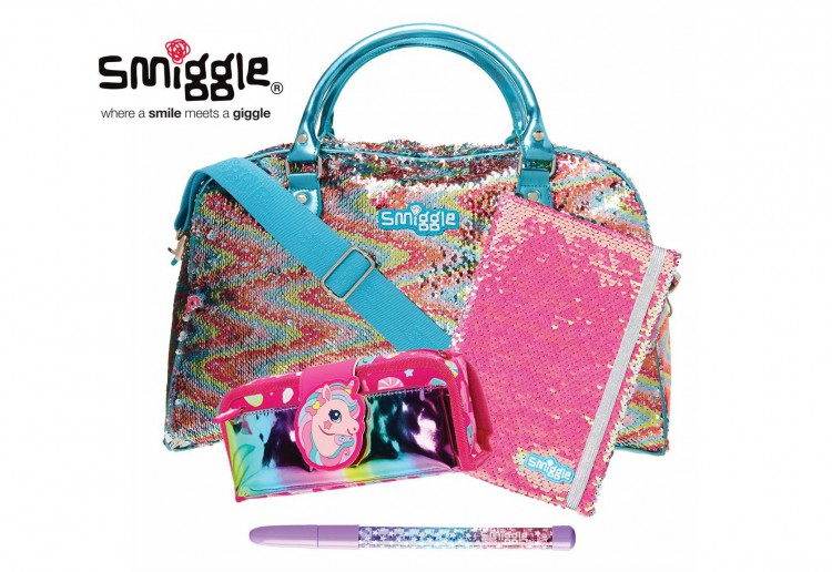 WIN 1 of 5 super sparkly Smiggle prizes for Christmas!