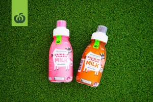 woolworths_back to school review_milks juices and spring water_strawberry and chocolate milk_product image_300x200