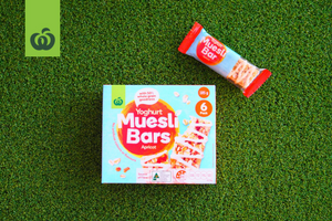 woolworths_back to school review_muesli bars_apricot with yoghurt muesli bar_product image_300x200