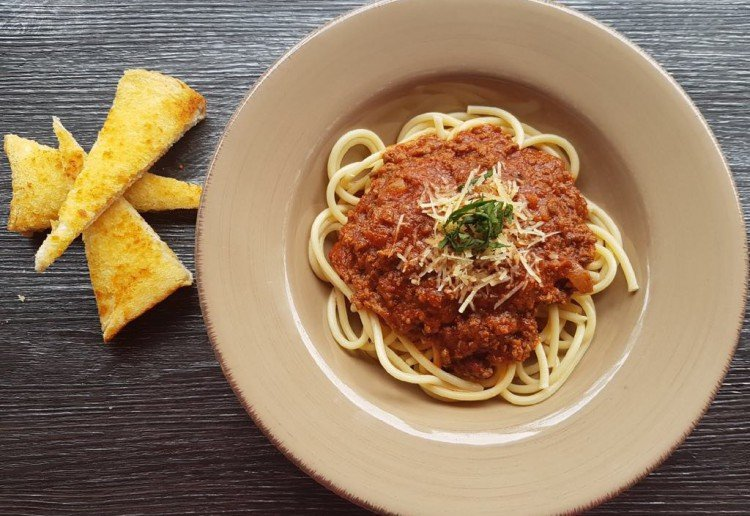 Kelly's Hidden Vegetable Bolognese