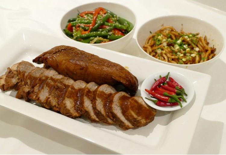 Chinese Pork Fillets and Udon Noodles