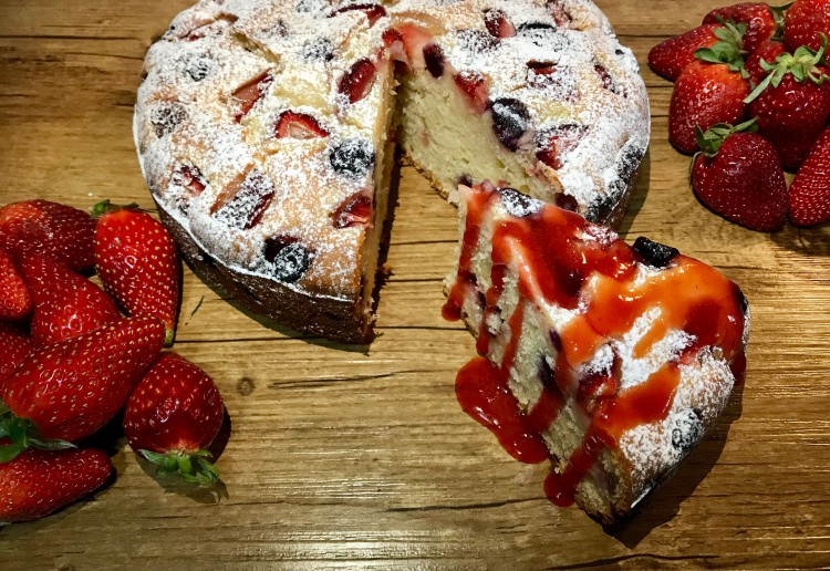 Strawberry & Blueberry Cake with Strawberry Syrup