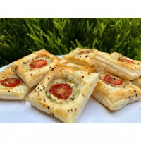 Pesto & Ricotta Puff Pastry Squares