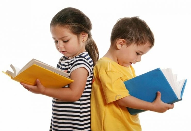 Why This Mum Isn't Teaching Her Child To Read Before Kindy