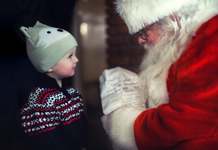 Husband's Ex Won't Allow Child To Have A Photo With Santa