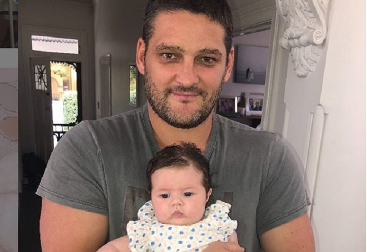 Mum2archer reviewed Brendan and Alex Fevola Trolled While Baby Tobi in Hospital