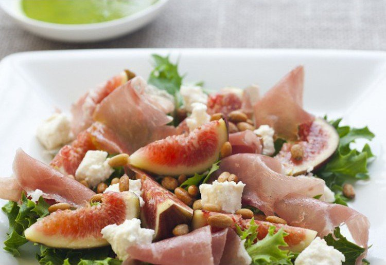 Fig Prosciutto and Goats Cheese Salad
