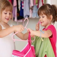 Mum 'Bashed' Online For Dressing Her Daughters The Same