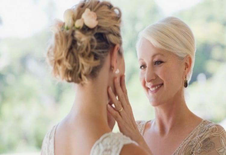 Bride Furious At Mum After Wedding