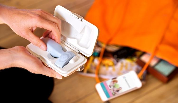 PeriCoach-handbag