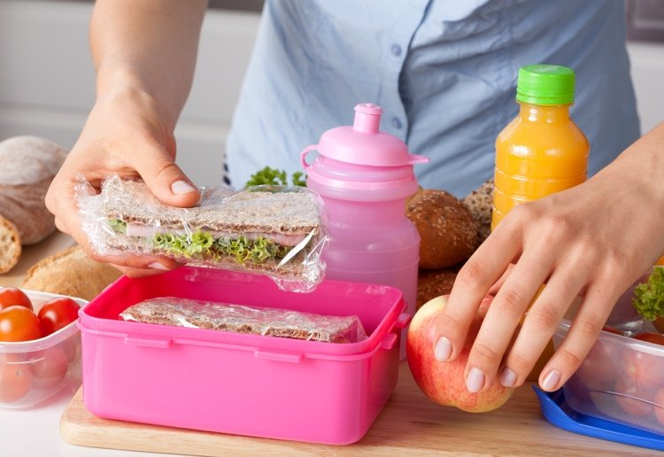Parents Fuming as Teachers Check for Waste in Kids Lunches