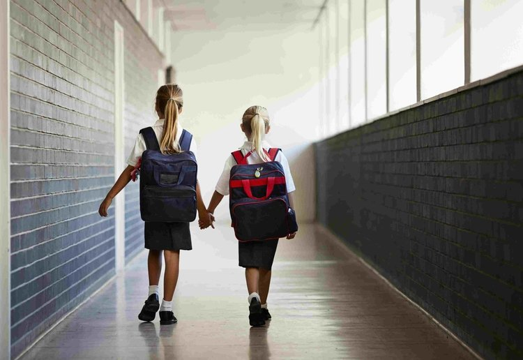 Number One Mum reviewed Australian School Imposes Fines On Parents For Picking Up Late