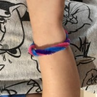colourful pipecleaner bracelet