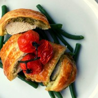 Pesto Puff Chicken with Roasted Tomatoes and Green Beans
