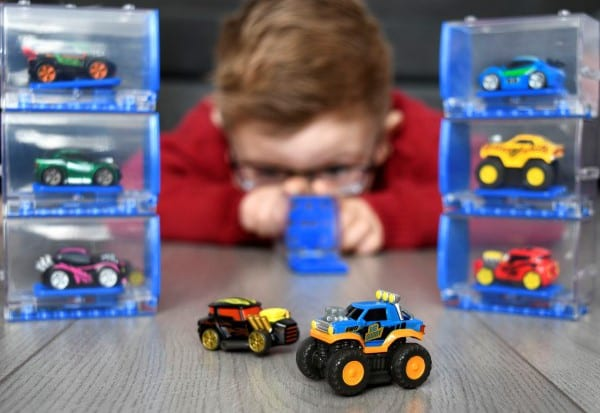 Win 1 of 5 Packs Of Micro Motorz And Kick Start Your Collection Of The Hottest New Collectible Range!