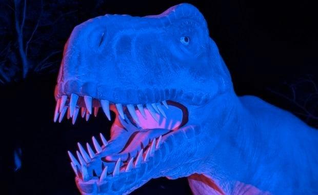 glowindark-dinosaur