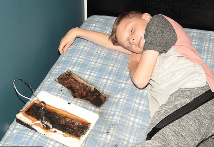 A review for Parents Terrifying Warning After Popular Device Burns Hole in Sons Bed