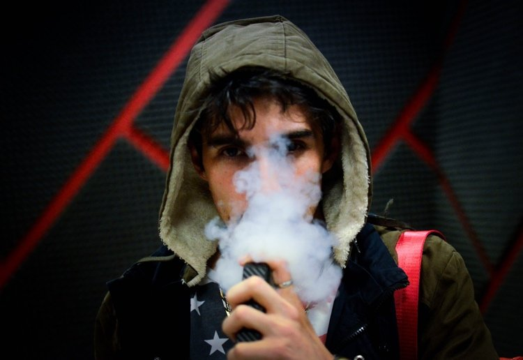 The Deadly Dangers of Vaping For Our Teenagers