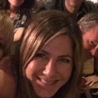 Jennifer Aniston Posts GORGEOUS Throwback Photo