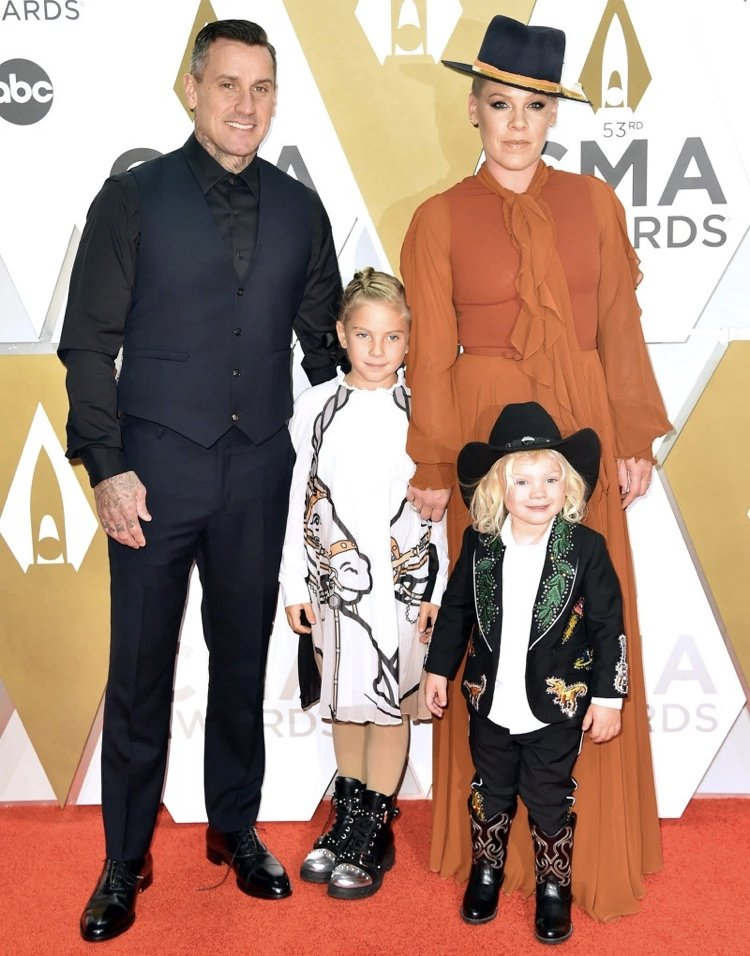 Pink and her family at the CMA awards