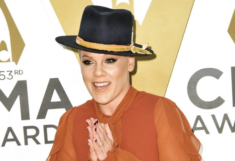 Pink at the CMA Awards