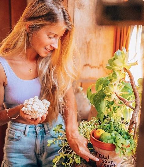 Alyce Parker clean eating vegan