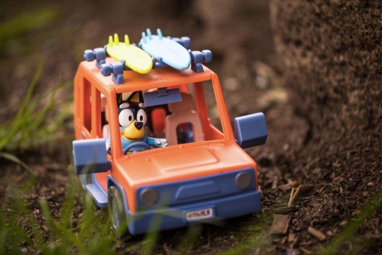 bluey toys car