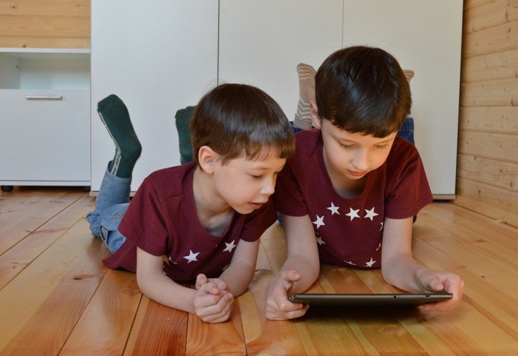 Simple Ways To Protect Your Kids From Online Dangers
