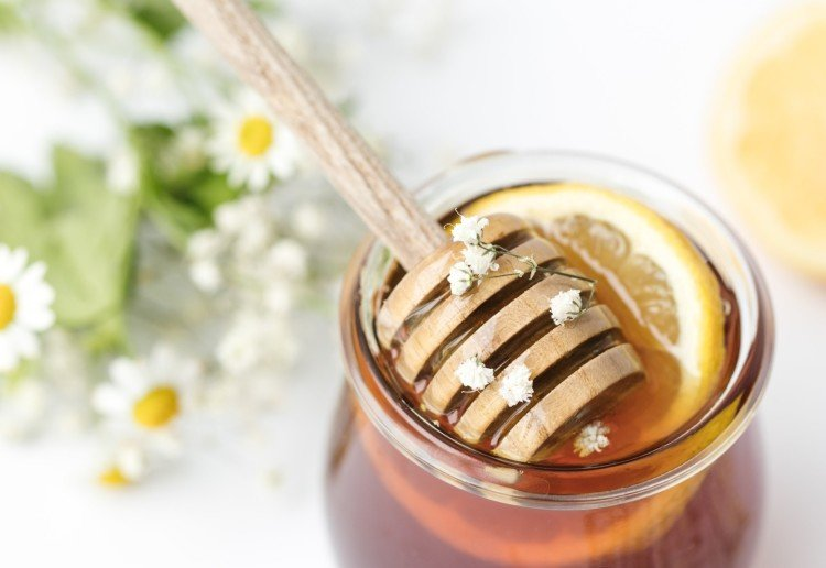 The Best Ways To Use Honey To Treat A Cough This Winter